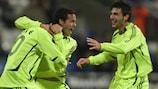 I giocatori dell'Aris esultano dopo il gol segnato sul campo del Bolton