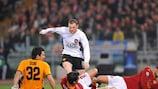 Rooney alaba a la defensa del Manchester