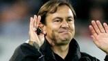 Ewald Lienen war ganze sieben Wochen Trainer von Olympiacos