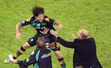 Diego celebrates Bremen's third goal with coach Thomas Schaaf