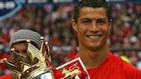 Cristiano Ronaldo celebra con el United la Premier League de 2009