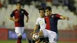 David Villa (Valencia CF) y Sokratis Papastathopoulos (Genoa CFC)