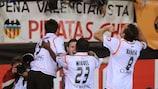 Los jugadores del Valencia celebran un gol en la final de la Copa del Rey 2008, su último título oficial