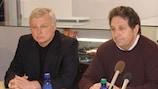 Валерий Бондаренко (слева) был подавлен очередной неудачей нарвитян