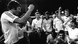John Toshack llevó la voz cantante en los festejos del Liverpool