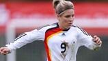 Svenja Huth marcó dos goles para Alemania en la goleada ante Polonia