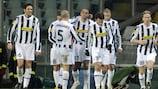 A Juve festeja o golo de David Trezeguet, o terceiro da equipa frente ao Fulham
