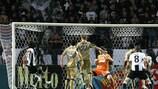 Vladimir Ivić (left) steals in to score PAOK's winner against Dinamo Zagreb