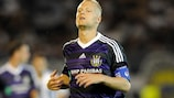 Anderlecht coach Ariël Jacobs must get by without the leadership of Olivier Deschacht
