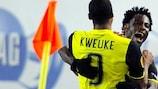 Wilfried Bony celebrates a goal with Leony Kweuke