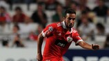 Benfica midfielder Rúben Amorim has undergone an operation on both his knees