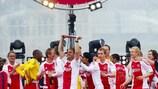 Ajax gewann letzten Monat den 30. Meistertitel am letzten Spieltag in dramatischer Manier