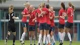 Noruega celebra su victoria por 3-2 ante Italia en las semifinales del torneo de 2011