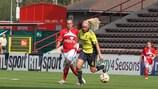 La Danoise Signe Andersen (à d.) en pleine action face au Standard