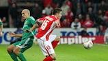Standard's Sébastien Pocognoli gets away from Vorskla's Ivan Kryvosheyenko