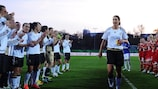 Germany and Frankfurt players give Birgit Prinz a guard of honour