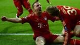 Franck Ribéry esulta dopo aver segnato il primo gol del Bayern