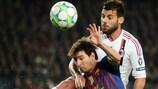 Antonio Nocerino y Lionel Messi en la victoria del Barcelona sobre el Milan de la pasada temporada