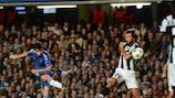 Oscar marca el primero de sus dos goles en el empate ante la Juventus