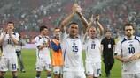 Los jugadores de Bosnia y Herzegovina después de su empate ante Grecia