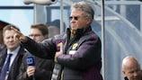 Anji coach Guus Hiddink
