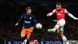 Lukas Podolski logró un espectacular tanto ante el Montpellier