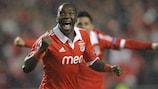 El Benfica toma la iniciativa