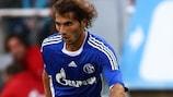 Hamit Altıntop, en un partido con el Schalke