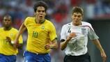Zweikampf zwischen Kaká und Steven Gerrard im Juni 2007