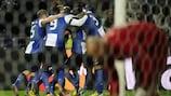 Los jugadores del Oporto celebran el gol de João Moutinho en el partido de ida