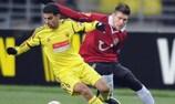 Boussoufa hails Hiddink after Anji success