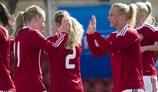 A Dinamarca festeja durante a segunda fase de qualificação