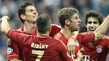 Thomas Müller festeggia con Mario Gomez e Franck Ribéry
