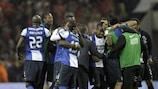 Os jogadores do Porto festejam após a vitória sobre o Benfica