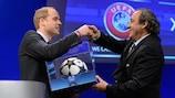 Il Presidente UEFA Michel Platini e il Principe William durante il Congresso UEFA