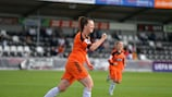 Suzanne Lappin, do Glasgow, festeja o golo marcado durante a goleada da equipa escocesa frente ao Birkirkara, por 9-0