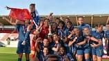 Frankreich feiert in Llanelli den dritten Titelgewinn
