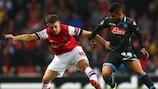 O Arsenal venceu o Nápoles por 2-0 na quinta jornada