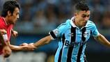 Alex Telles in Brazilian league action for Grêmio