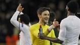 Los jugadores del Tottenham celebran la victoria tras el partido