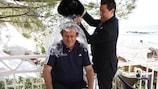 Michel Platini relève l'Ice Bucket Challenge
