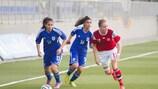 A dinamarquesa Tanya Arngrimsen (à direita) marcou um dos golos