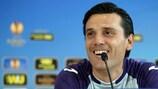 Fiorentinas Trainer Vincenzo Montella bei der Pressekonferenz vor dem Spiel