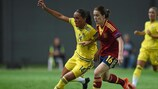 Beatriz Beltrán of Spain vies with Sweden's Anna Oskarsson