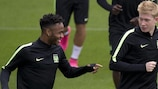 Raheem Sterling and Kevin De Bruyne train on Monday