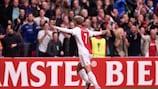 Viktor Fischer celebra tras marcar el primer gol del Ajax