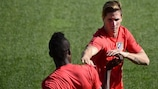 Thomas Partey (left) and Fernando Torres train on Tuesday