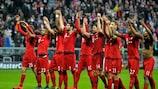 A festa do Bayern após o triunfo sobre o Arsenal