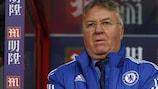 Guus Hiddink hat Chelsea wieder in die Spur gebracht