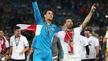 Sergio Rico y Coke, durante el triunfo del Sevilla en la final ante el Liverpool